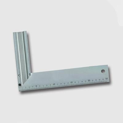 Úhelník AL 300mm